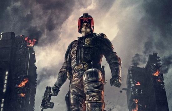 Imagen para el poster de Judge Dredd (Dir. Pete Travis, DNA Films, 2012)